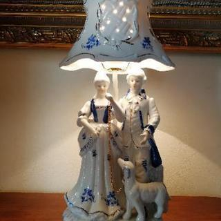 貴族陶器製テーブルランプ