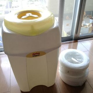 アップリカ消臭ゴミ箱(ゴミ袋付)
