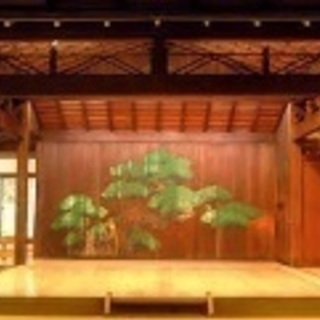 篠笛 〜趣のある能舞台で、しの笛のレッスン