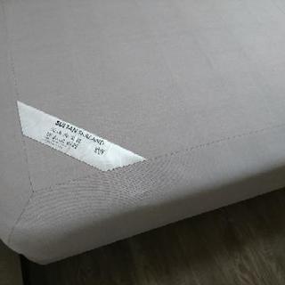 IKEAのセミダブルベッド