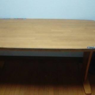 無料!ダイニングテーブル・椅子セット!