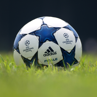 豊中の小学生対象のサッカーチームのコーチを募集しています。