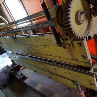 板金 折る機械