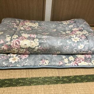 敷布団2、枕1