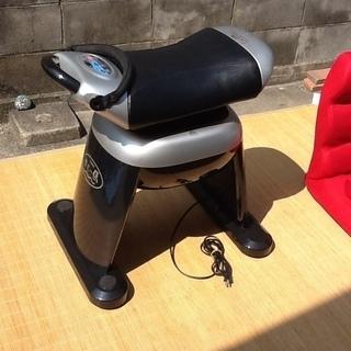 フジ医療器の乗馬フィットネス機器 座む~馬HM-700 筋力、シェ...