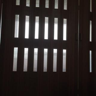 新品フォールディングドア