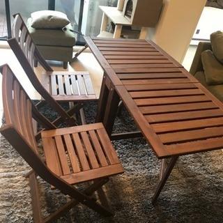 テーブル & 椅子 二脚