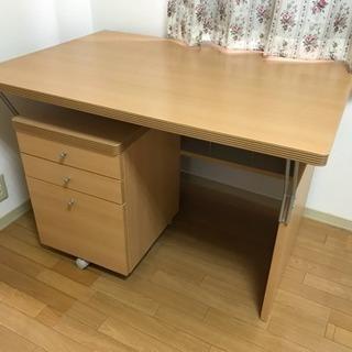 学習机としてもパソコンテーブルとしても使えます(椅子と同時引き取...