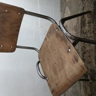 アンティーク椅子(鉄脚)