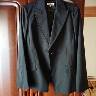 シンプルな黒スーツ《 値下げしました》