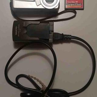 デジタルカメラ SANYO DSC-MZ3(送料込み)