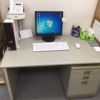 オフィスデスクと鍵付キャビネット(お譲りします)