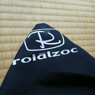 roialzocのサーフボードケース