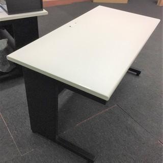 オフィスデスク 平机 天板ホワイト/本体ブラック 差し上げます。