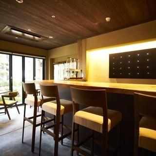 【昼の空いた時間】【日払い】ホテル内の飲食スペースなどの清掃業務