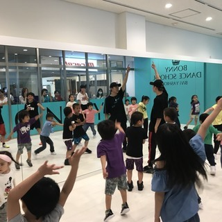 埼玉県八潮 駅前 徒歩1分にダンススクールオープン!