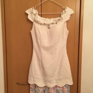 美品ビジュー付きスカラップ花柄スカート ミニドレス