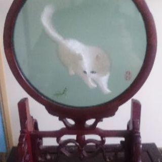 中国美術 両面刺繍 蘇繍 木製枠 子猫 蟷螂 高さ34cm/置物...