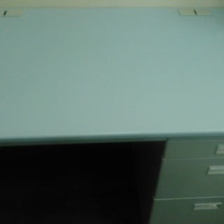 オフィスデスクの画像