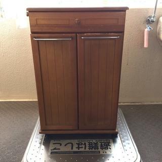 木製 ゴミ箱の画像