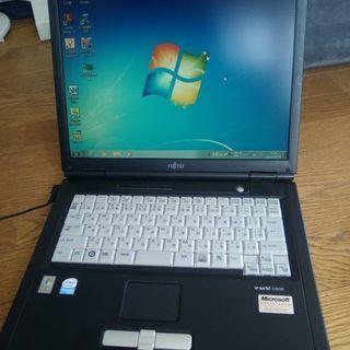 ノートパソコンFMV-C8250