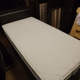 マット付きシングルベッド 引出し収納付き 木枠 ベット E 札幌 西岡発