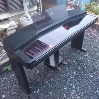 電子ピアノ  YAMAHA。