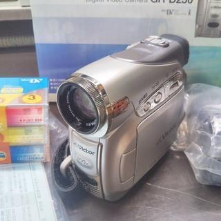(美品・未使用) Victor・JVC DVDビデオカメラGR-...