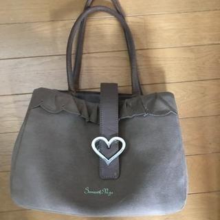サマンサタバサのバッグです。使用感がありますが、これ以上下げれません。
