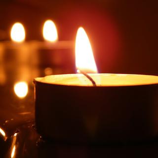 チャリティーキャンドルヨガ&瞑想