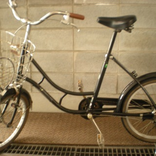 商談中 中古の黒い自転車 15.75インチ