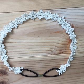 ヘアバンド 白 お花