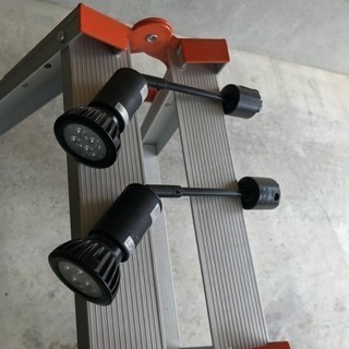 LEDスポットライト 2台