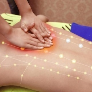 微弱電流が通った手で施術するかことで一瞬のうちに経絡を活性…