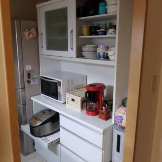 取引中❗ニトリ食器棚 お譲り致します。引き取り限定
