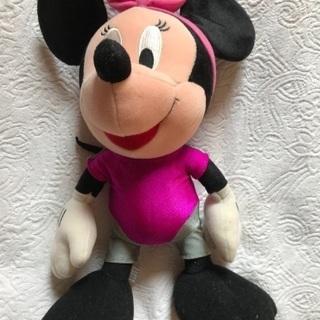 ミニーマウスのぬいぐるみ