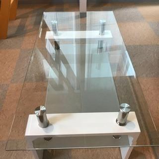 ガラステーブルと32型テレビセット