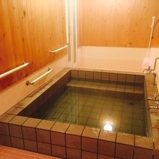 名湯名高い松川温泉より引湯した源泉かけ流しの個室温泉宿