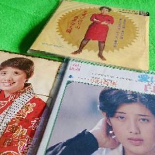 美空ひばり/山口百恵/森 昌子 シングルレコード3枚セットまとめ売り