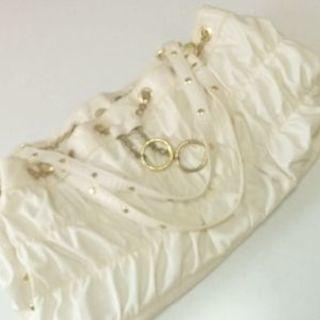 チェーン飾りのオフホワイトbag