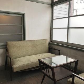 三津浜地区旧濱田医院のシェアショップ!自然光がたっぷり入る明るいお部屋