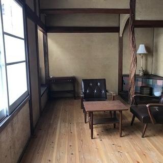 三津浜地区旧濱田医院のシェアショップ!木の温かみあるほっこりでき...