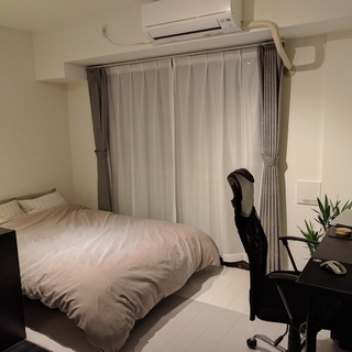 MUJIベッド・枕4つ・メモリーフォームマトレス