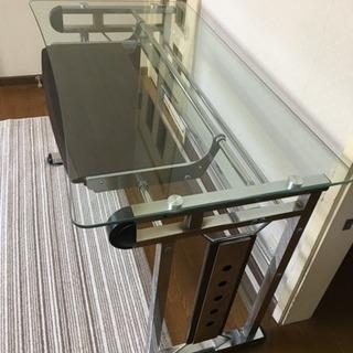 サイバーガラスパソコンデスク