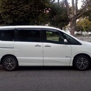 2014年6月登録日産セレナ 白 8人乗り S-ハイブリッド車
