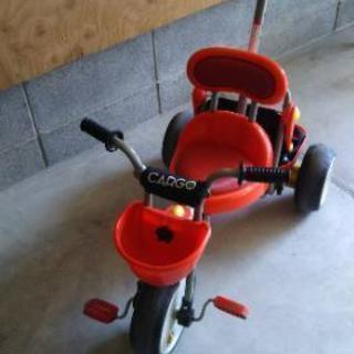 アイデスカーゴ 赤色の三輪車