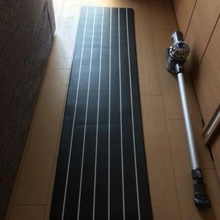 中古美品 ニトリ キッチン用フロアマット 幅45×奥行180cm