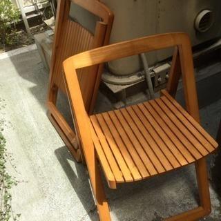 見た目にも涼しい椅子