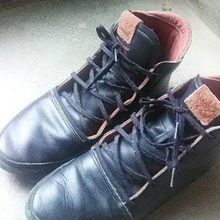 アジダスショートブーツ革靴