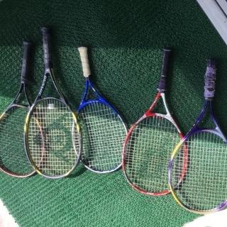 【子供用テニスラケット十分経年劣化あり】練習や壁打ち遊びにどうぞ...